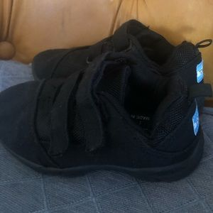 TOMS toddler shoes: